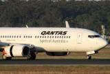 QANTAS BOEING 737 800 MEL RF IMG_0331.jpg
