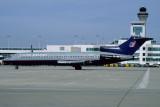 UNITED AIRLINES BOEING 727 200 DEN RF V4214.TFI.jpg