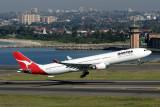 QANTAS AIRBUS A330 300 SYD RF IMG_9821.jpg