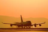 SUNSET LANDING BOEING 747 400 KIX RF IMG_5373.jpg
