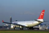 NWA AIRBUS A330 200 NRT RF 1526 19.jpg