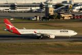 QANTAS AIRBUS A330 300 PER RF IMG_5781.jpg