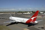 QANTAS BOEING 767 300 PER RF IMG_5854.jpg