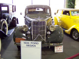 Antique and classic car showat the Riverside