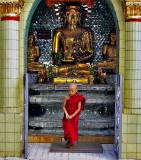 Little monk and Buddha image