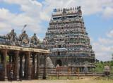Soaring gopuram, Nataraja Temple