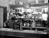 The Cairn Hotel Rowanlea Bar Dad