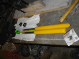 Farther back picture:  shaft on 1072SPORT is 1 longer, body is ~2.5 longer.