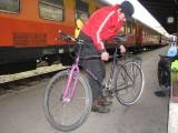 Składanie rowerów na dworcu w Belgradzie(IMG_6309.jpg)