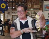 Demonstration of apple curler