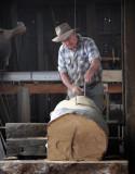 Breaking-down saw