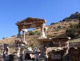 Ruins Ephesus195Y.jpg