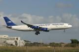Aerolineas Argentinas A-340 approaching MIA RWY 9
