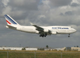 French 747-400 ready to land, MIA, Dec 2007