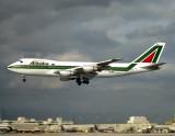 747-200  I-DEMN