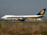 B747-200  9V-SQO