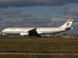 A330-300  A6-AFA