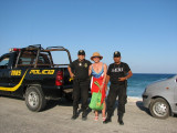 The friendly policia help you out!!