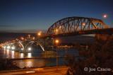 Peace_Bridge_old_lights.jpg