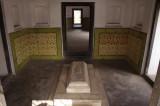 Tomb Inside Lalbagh Fort.jpg