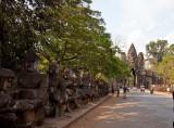 TonLe Om (south gate)