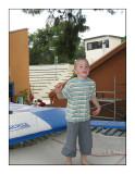 0611 - Max au trampoline