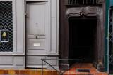 La rue Perchepinte a la chance d'avoir vu restaurer, assez récemment, quatre façades à corondages des Xve ou XVIe siècles, les nos 5, 7, 9 et 13. Un remarquable travail de réhabilitation, qui met en valeur la porte gothique en bois du no 7, où habita le chevalier Raymond de Pechbusque, quatre fois capitoul au xve siècle.