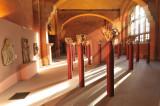 il s'agit de la salle des chapiteaux romans