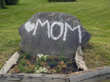 Somebody Hearts Their MOM!