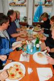 Pizzalunch i Öregrund fick det bli.
