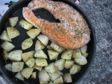 Stekt potatis och lax