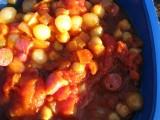 Korv, kikärtor, krossade tomater mm.