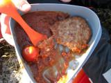 Flera nyanser brunt, hamburgare på burk för fam Arnstad