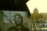 Le Che et les p'tites femmes de Paris.