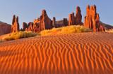 AZ - Monument Valley Dunes 2