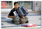 Musico Callejero y su perro -  Street musician and his dog