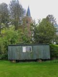 Eenum - Hervormde kerk en keet