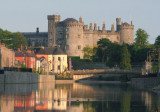Kilkenny Castle and Johns Bridge.jpg