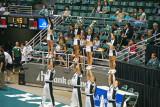 UH cheerleaders