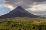 156 Volcan Arenal smoke 1.jpg
