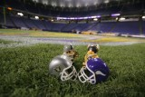 NFL Huddles: Oakland Raiders at Minnesota Vikings at the Metrodome