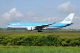 KLM Airbus A330-200  PH-AOB