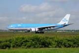 KLM Airbus A330-200  PH-AOK