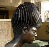 Tel Aviv bronze yard statue detail2.JPG