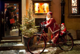 Santa Sets Off Back To North Pole