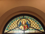 De Cocksdorp, RK kerk raam boven ingang, 2008