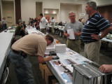 Loren Casey (right, in blue shirt) talking to Lon Bathurst at Tangent Scale Models Table