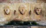 tres rostros-dos fuentes