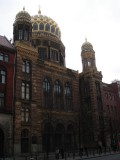 the Neue (New) Synagoge (new in 1886 and again in 1995)