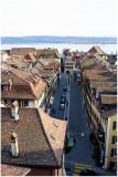 Rue du Marché et le lac de Bienne